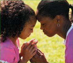mom-child-praying